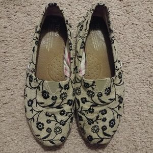 Toms embroidery loafers